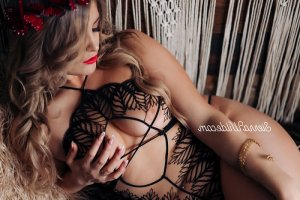 Odelie tantra massage in Northbrook