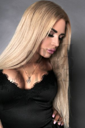 Blondine erotic massage